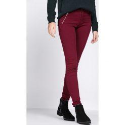 Bordowe Jeansy Social. Czerwone jeansy damskie Born2be. Za 59,99 zł.