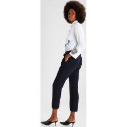 Spodnie z wysokim stanem: Dorothy Perkins TIE WAIST TROUSER Spodnie materiałowe navy