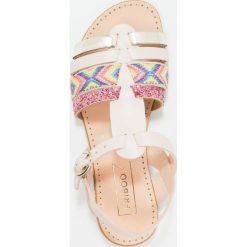 Friboo Sandały latte. Czerwone sandały chłopięce marki Friboo, z materiału. W wyprzedaży za 125,30 zł.