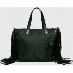 Medicine - Torebka Basic. Czarne torebki klasyczne damskie marki MEDICINE, w paski, z materiału, duże. W wyprzedaży za 69,90 zł.
