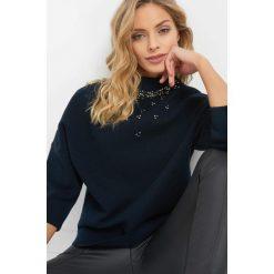 Sweter z perełkami. Niebieskie swetry oversize damskie Orsay, xs, z dzianiny. Za 119,99 zł.