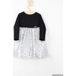 Sukienka srebrna z cekinami. Szare sukienki dziewczęce Pakamera, z jersey. Za 139,00 zł.
