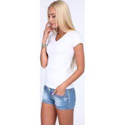 T-shirt dekolt w serek biały 2310. Białe t-shirty damskie Fasardi, l, z dekoltem w serek. Za 29,00 zł.