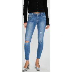Tally Weijl - Jeansy Zoe. Niebieskie jeansy damskie marki House, z jeansu. W wyprzedaży za 129,90 zł.