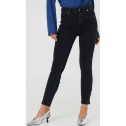 Spodnie damskie: Trendyol Jeansy rurki z wysokim stanem - Black