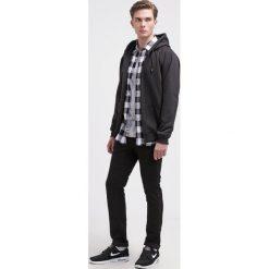 Spodnie męskie: Vans V76 Jeansy Slim Fit overdye black