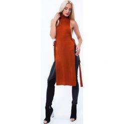 Swetry damskie: Długi golf wiązany po bokach rudy MP32031