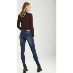 Noisy May NMEVE  Jeans Skinny Fit dark blue denim. Niebieskie jeansy damskie marki Noisy May. W wyprzedaży za 143,20 zł.