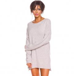 """Sweter """"Louna"""" w kolorze szarobrązowym. Brązowe swetry klasyczne damskie marki So Cachemire, s, z kaszmiru, z dekoltem w łódkę. W wyprzedaży za 173,95 zł."""