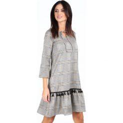 Sukienka z wiązaniem przy dekolcie musztardowa 19150. Szare sukienki z falbanami Fasardi, na imprezę, l. Za 79,00 zł.