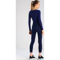 Lee SCARLETT CROPPED Jeans Skinny Fit deep blue worn. Niebieskie jeansy damskie marki Lee. W wyprzedaży za 203,40 zł.