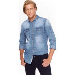 Koszule męskie na spinki: KOSZULA MĘSKA JEANSOWA Z PRZETARCIAMI O DOPASOWANYM KROJU