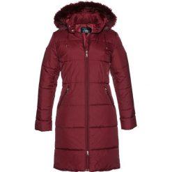 Płaszcz pikowany z kapturem ze sztucznym futerkiem bonprix czerwony kasztanowy. Czerwone płaszcze damskie z futerkiem bonprix. Za 189,99 zł.