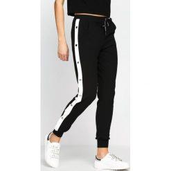 Spodnie dresowe damskie: Czarno-Białe Spodnie Dresowe Nowadays