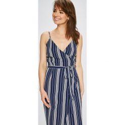 Answear - Sukienka Stripes Vibes. Szare długie sukienki ANSWEAR, na co dzień, l, z poliesteru, casualowe, na ramiączkach, proste. W wyprzedaży za 89,90 zł.