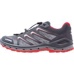 Lowa AEROX GTX  Obuwie hikingowe graphit/rot. Szare buty sportowe męskie Lowa, z materiału, outdoorowe. W wyprzedaży za 662,15 zł.