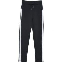 Czarno-Białe Spodnie Dresowe Patience. Szare spodnie dresowe damskie marki New Balance, xs, z dresówki. Za 39,99 zł.