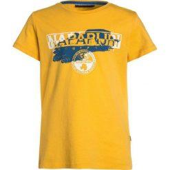 Napapijri SHADOW  Tshirt z nadrukiem yellow. Żółte t-shirty męskie z nadrukiem Napapijri, z bawełny. Za 129,00 zł.