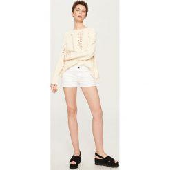 Szorty damskie: Jeansowe szorty – Biały