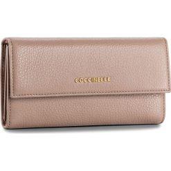 Duży Portfel Damski COCCINELLE - BW5 Metallic Soft E2 BW5 11 46 01 Pivoine 208. Czarne portfele damskie marki Coccinelle. W wyprzedaży za 419,00 zł.