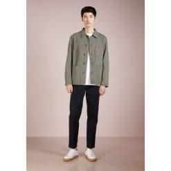 CLOSED WORKER JACKET Kurtka jeansowa deep woods. Brązowe kurtki męskie jeansowe CLOSED, m. Za 839,00 zł.