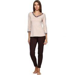 Piżamy damskie: Piżama w kolorze brązowo-beżowym – bluzka, spodnie