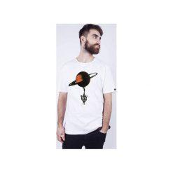 """T-SHIRT MĘSKI """"saturn"""". Białe t-shirty męskie dzieńdobry, l, z bawełny, z klasycznym kołnierzykiem. Za 69,00 zł."""
