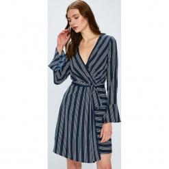 Vero Moda - Sukienka Nicky. Szare długie sukienki marki Vero Moda, na co dzień, l, z poliesteru, casualowe, z długim rękawem, proste. W wyprzedaży za 99,90 zł.