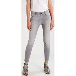 Mavi ADRIANA ANKLE Jeans Skinny Fit grey stretch. Szare rurki damskie Mavi. W wyprzedaży za 183,20 zł.