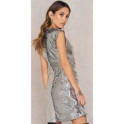 Sukienki: NA-KD Party Marszczona sukienka z cekinami – Silver