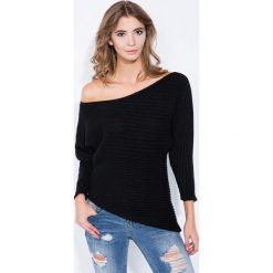Swetry klasyczne damskie: Czarny Sweter Asymetryczny z Łódkowym Dekoltem