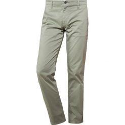 Chinosy męskie: BOSS Orange SCHINO REGULAR Spodnie materiałowe khaki