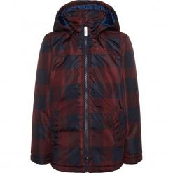 """Kurtka zimowa """"Mellon"""" w kolorze czerwono-granatowym. Czerwone kurtki chłopięce zimowe marki Name it Mini & Kids. W wyprzedaży za 82,95 zł."""
