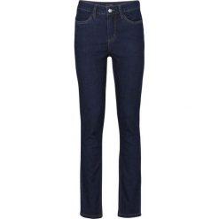 Dżinsy ze stretchem bonprix ciemnoniebieski denim. Niebieskie jeansy damskie marki bonprix, z nadrukiem. Za 109,99 zł.