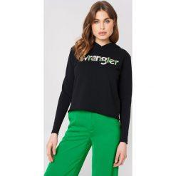 Wrangler Bluza z kapturem Crop Kabel - Black. Czarne bluzy rozpinane damskie Wrangler, z nadrukiem, z dzianiny, z kapturem. W wyprzedaży za 121,58 zł.
