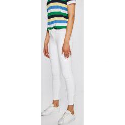 Mustang - Jeansy Jasmin. Niebieskie jeansy damskie rurki marki Mustang, z aplikacjami, z bawełny. W wyprzedaży za 239,90 zł.