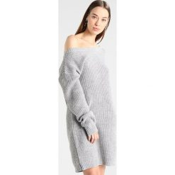 Sukienki: Missguided AYVAN OFF SHOULDER Sukienka dzianinowa light grey