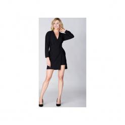 Mosali - Sukienka Kopertowa M054. Czarne sukienki asymetryczne Mosali, do pracy, m, z tkaniny, biznesowe, z asymetrycznym kołnierzem. Za 119,00 zł.