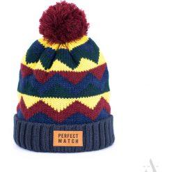Czapka damska Perfect match granatowo-czerwona. Czerwone czapki zimowe damskie marki Art of Polo. Za 37,60 zł.
