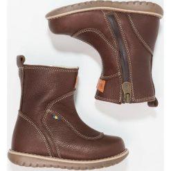 Kavat NORBERG ZGREEN Śniegowce dark brown. Brązowe buty zimowe damskie Kavat, z gumy. W wyprzedaży za 359,20 zł.