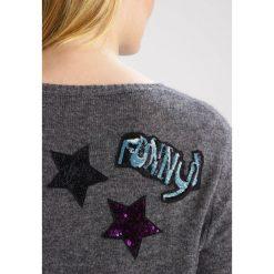 Swetry klasyczne damskie: Princess goes Hollywood Sweter volcanic