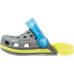 Crocs ELECTRO Sandały kąpielowe slate grey/tennis ball green. Szare sandały chłopięce marki Crocs, z gumy. Za 129,00 zł.