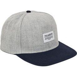 Szara czapka z logo. Szare czapki z daszkiem męskie Pull&Bear. Za 39,90 zł.