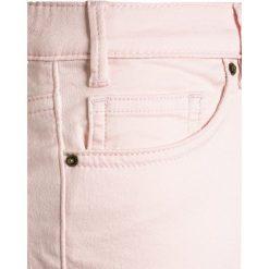 J.CREW COZY  Jeansy Slim Fit pale blush. Niebieskie jeansy chłopięce marki Retour Jeans. Za 139,00 zł.