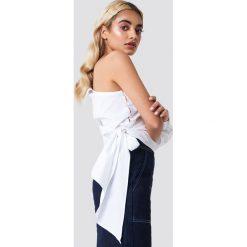 NA-KD Trend Koszula z jednym rękawem i wiązaniem - White. Białe koszule wiązane damskie marki NA-KD Trend, z długim rękawem. Za 121,95 zł.
