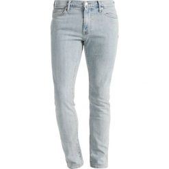 Abercrombie & Fitch SUPER SLIM LIGHT Jeansy Slim Fit light blue. Niebieskie jeansy męskie relaxed fit marki Abercrombie & Fitch. Za 369,00 zł.