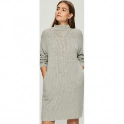 Dzianinowa sukienka oversize - Jasny szar. Szare sukienki dzianinowe Sinsay, l, oversize. Za 99,99 zł.