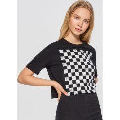 Koszulka z szachownicą - Czarny. Czarne t-shirty damskie marki Cropp, l. Za 39,99 zł.