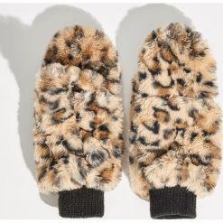 Puszyste rękawiczki - Brązowy. Brązowe rękawiczki damskie Sinsay. Za 29,99 zł.