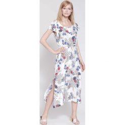 Sukienki hiszpanki: Biała Sukienka Golden Petals